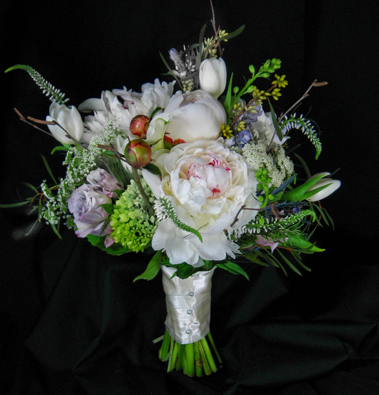 wildflower bouquet studio