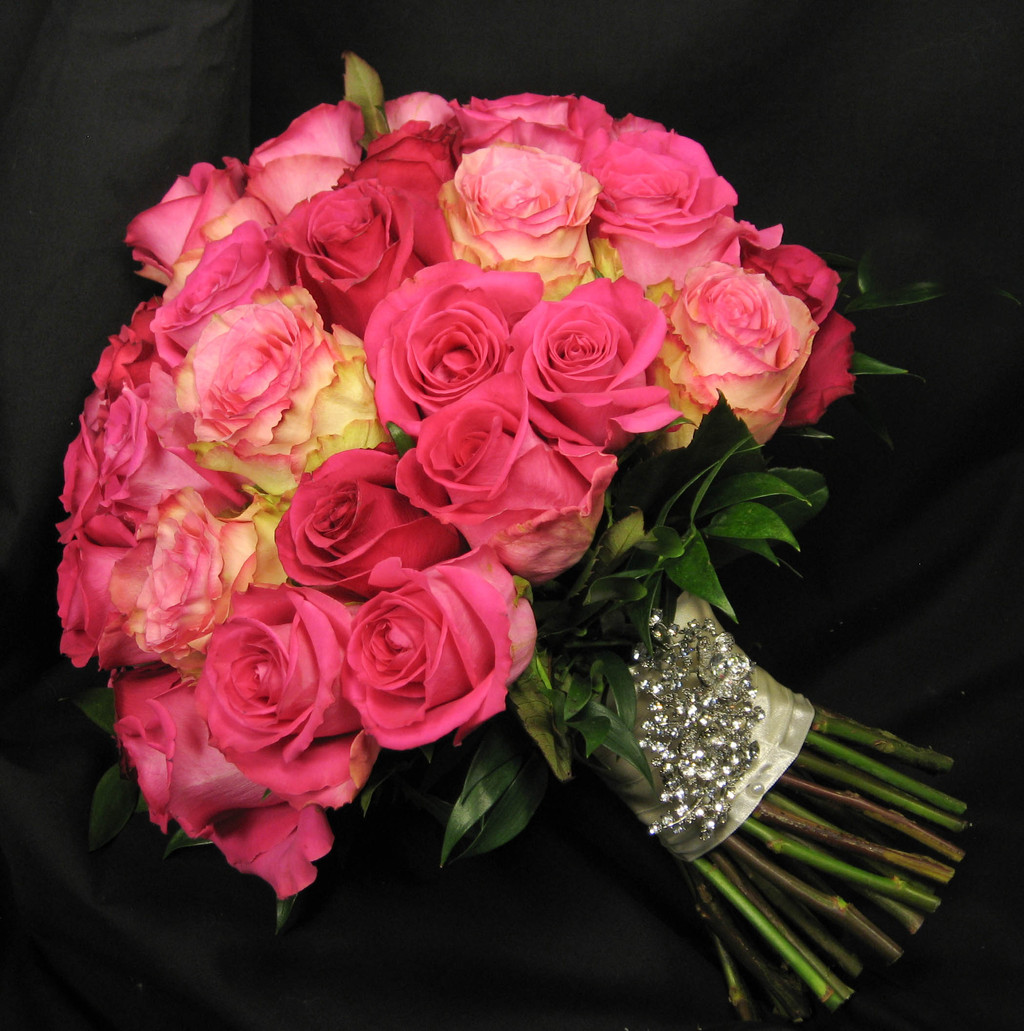 Pink%20rose%20bouquet.full