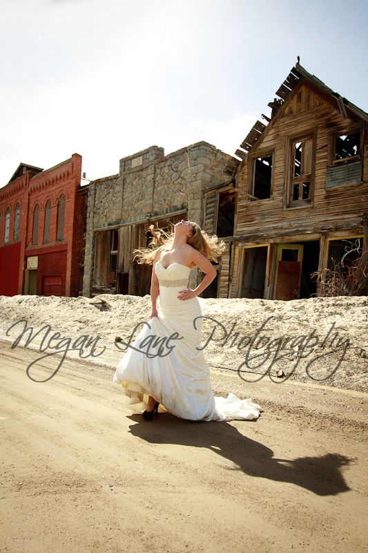 rock-the-dress-andrew-mindy-ghost-town-5