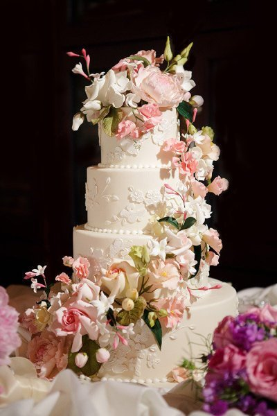 photo of wedding-cake-inspiration-Ron-Ben-Isreal-Cakes-6