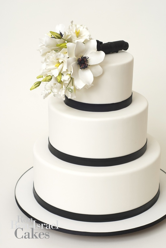 photo of wedding-cake-inspiration-Ron-Ben-Isreal-wedding-cakes-white-black-classic