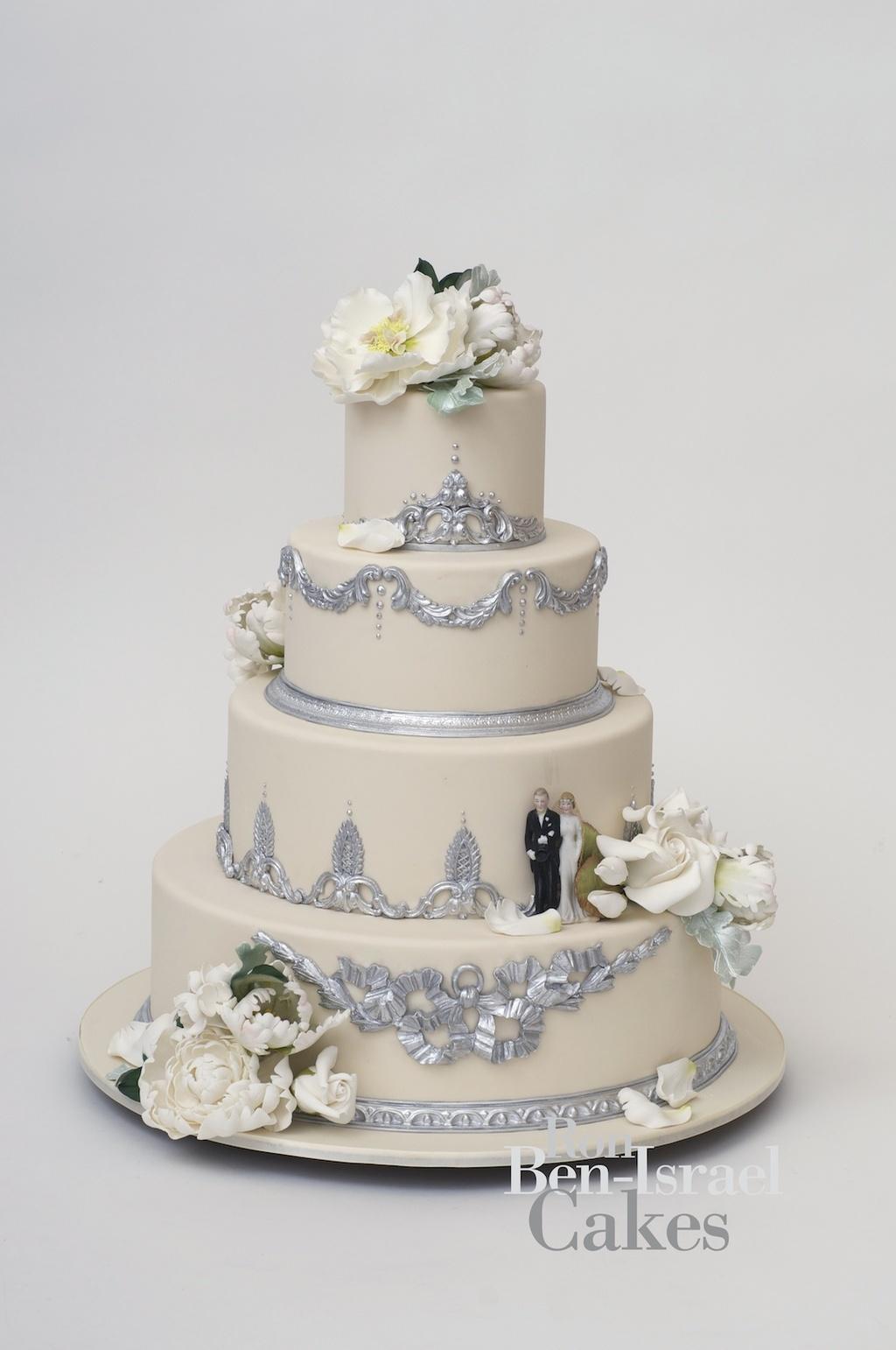 Wedding-cake-inspiration-ron-ben-isreal-wedding-cakes-ivory-ice-blue.full