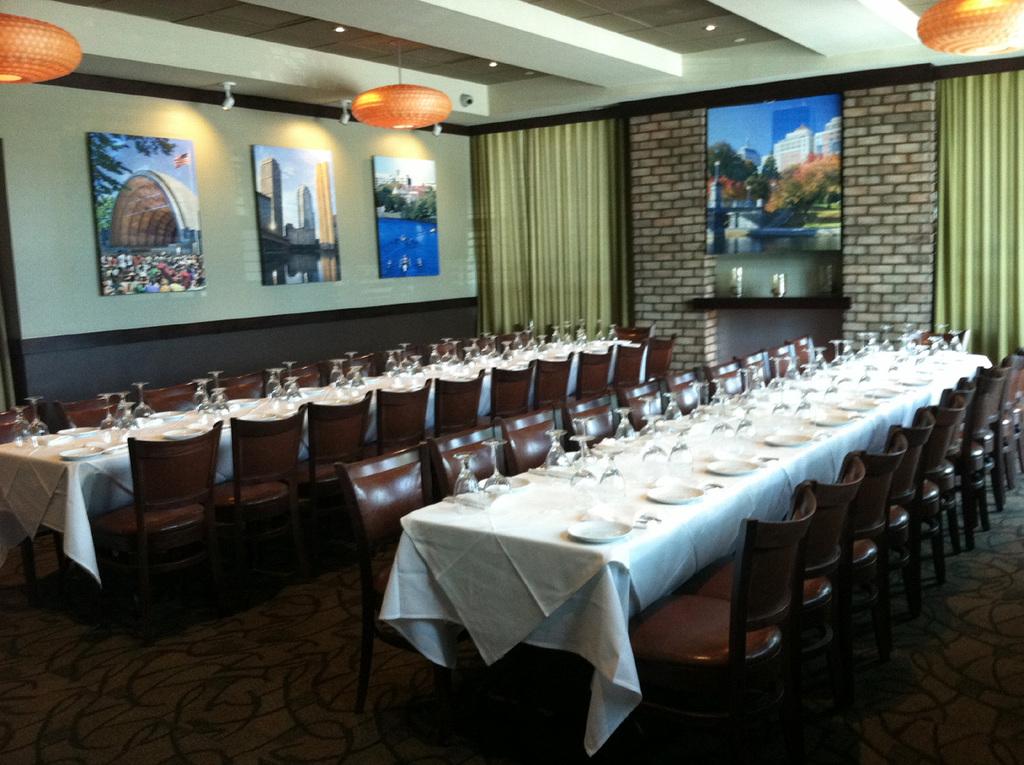 East_room_long_tables_bg.full