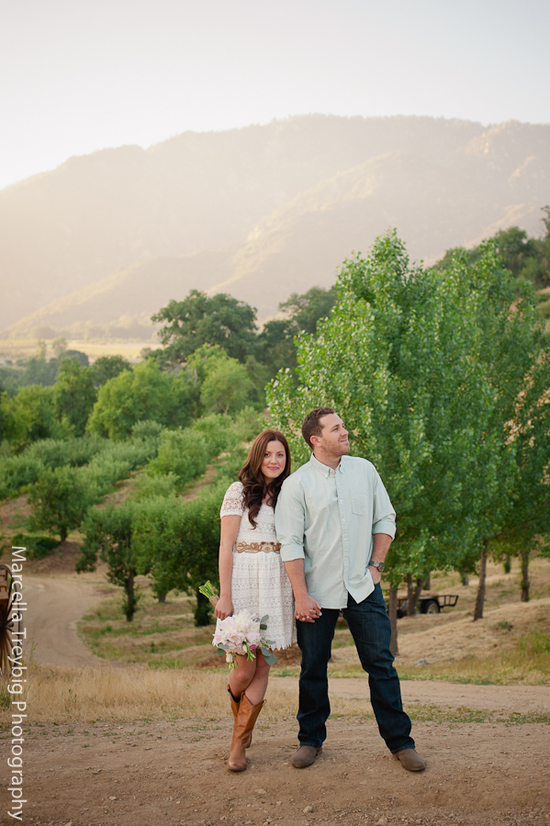 Rustic engagement session photos-2