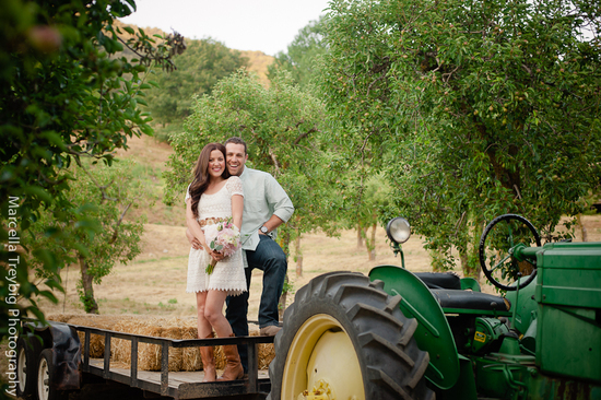 Rustic engagement session photos-5