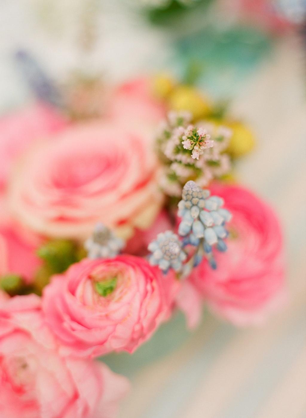 Romantic-wedding-details-outdoor-weddings-pink-ranunculus.full
