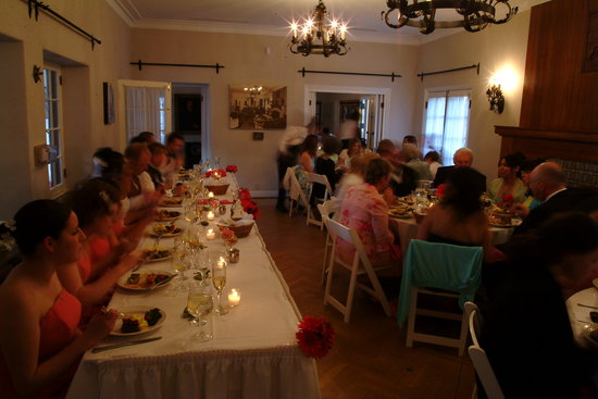 photo of Henri's Exquisite Catering