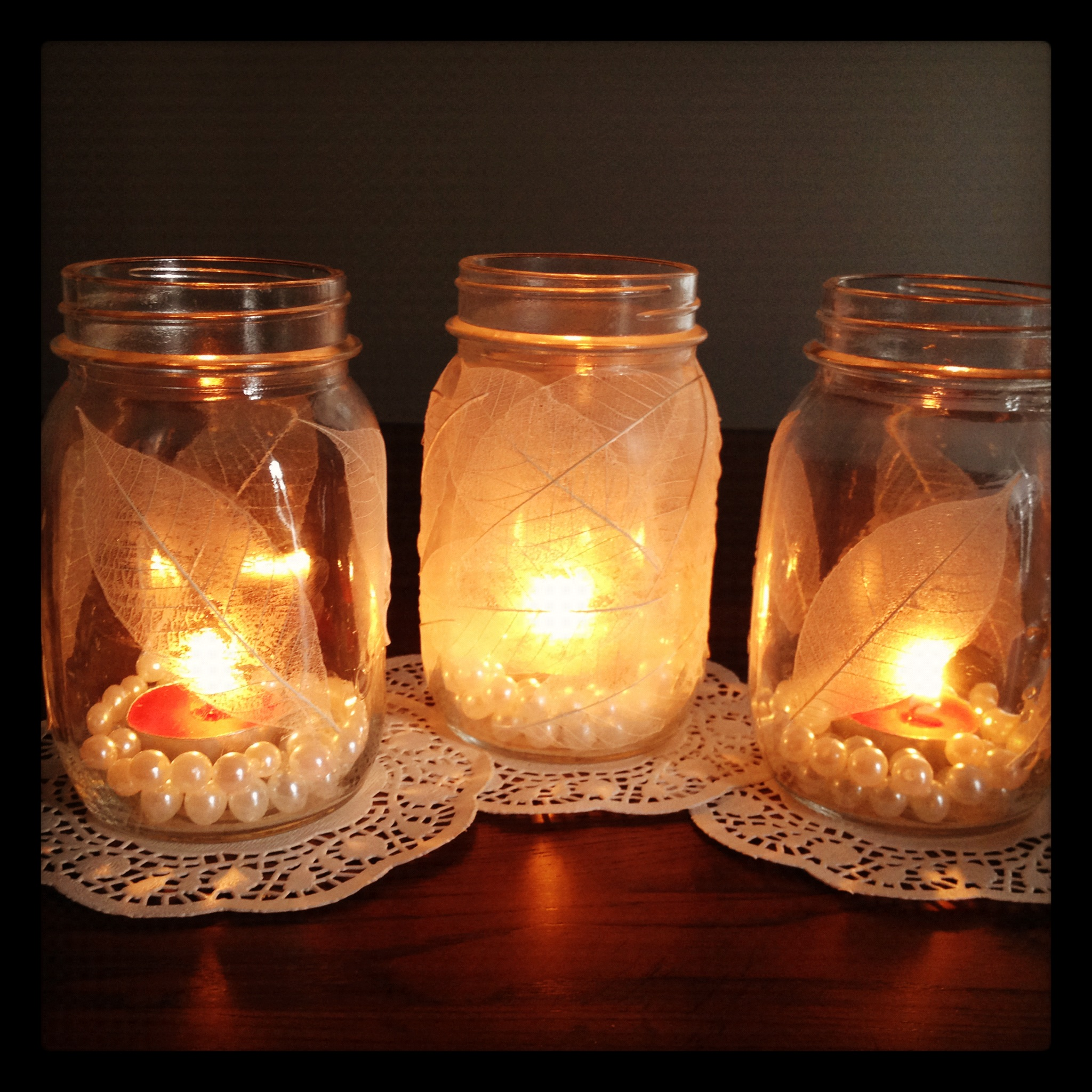 Sparkling wedding diy projects mason jars for Projects to do with mason jars
