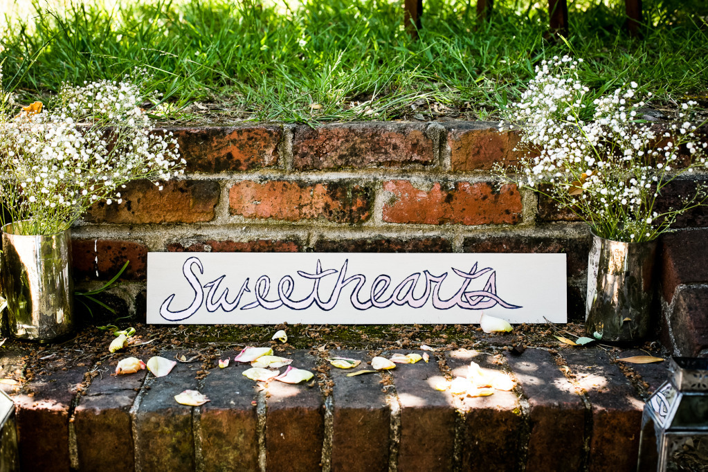 Romantic-mansion-wedding-with-vintage-inspired-bride-and-groom-custom-sign.full