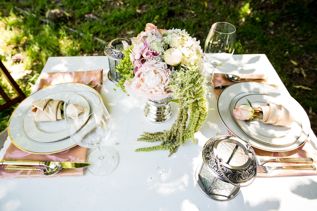 California-wedding-san-francisco-mansion-venue-elegant-bridal-inspiration-sweetheart-table-2.full