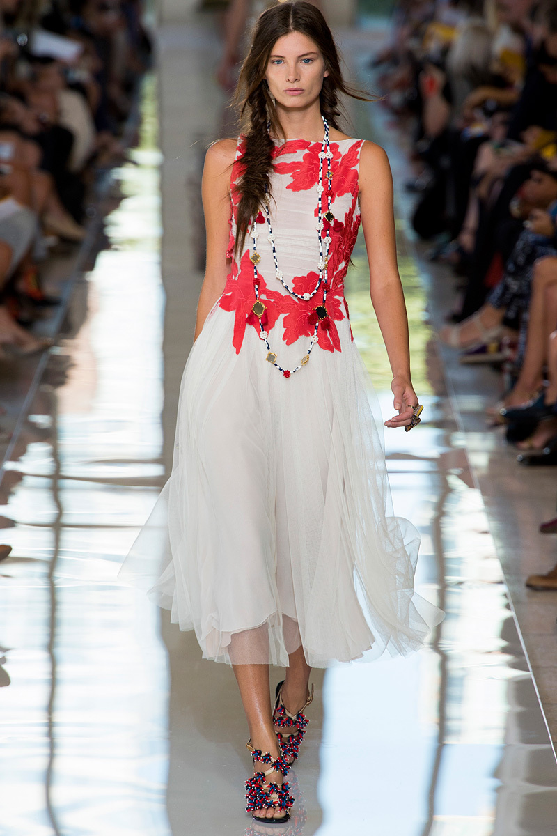 Catwalk-to-white-aisle-wedding-style-inspiration-for-brides-new-york-fashion-week-tory-burch.full