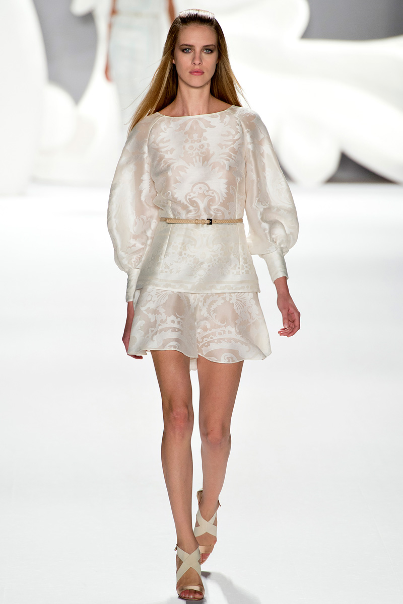 Catwalk-to-white-aisle-wedding-style-inspiration-for-brides-new-york-fashion-week-carolina-herrera.original