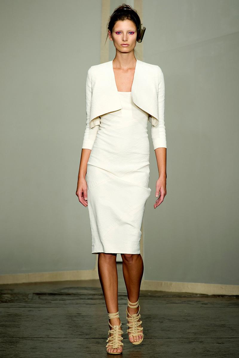 Catwalk-to-white-aisle-wedding-style-inspiration-for-brides-new-york-fashion-week-donna-karan.full
