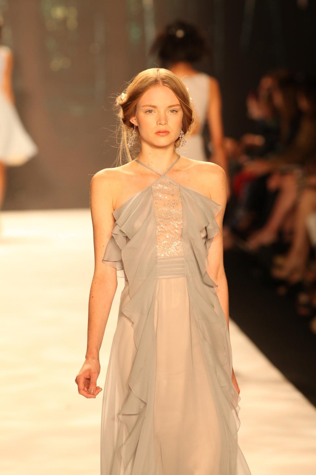 Wedding-hair-inspiration-badgley-mischka-bridal-updos-3.full
