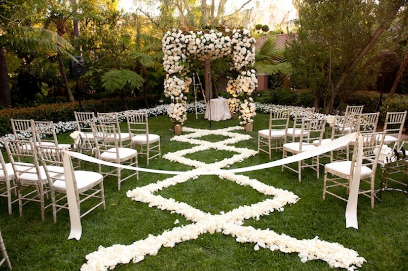 Rose petal aisle runner for outdoor wedding ceremonies for Aisle decoration for wedding