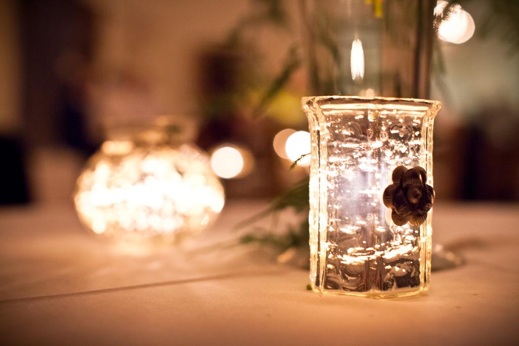 Elegant-wedding-reception-decor-centerpiece-vases-mercury-glass-7.full