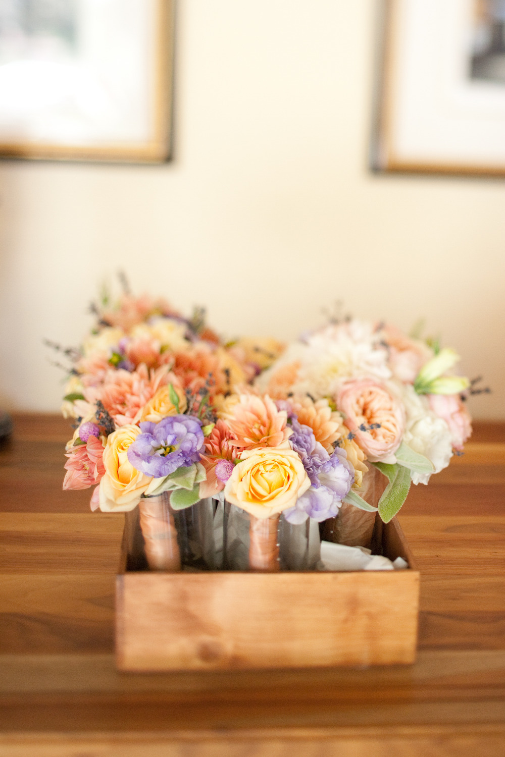 Elegant-real-weddings-lavender-peach-wedding-colors-bridesmaids-bouquets.full