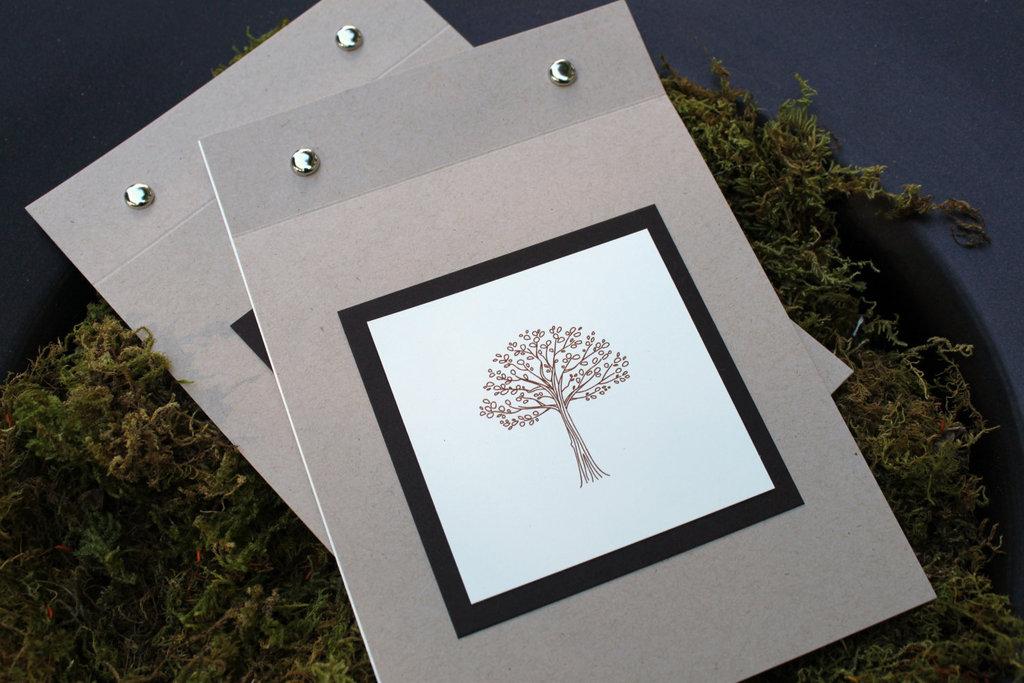 Handmade-wedding-finds-for-fall-weddings-ceremony-program.full