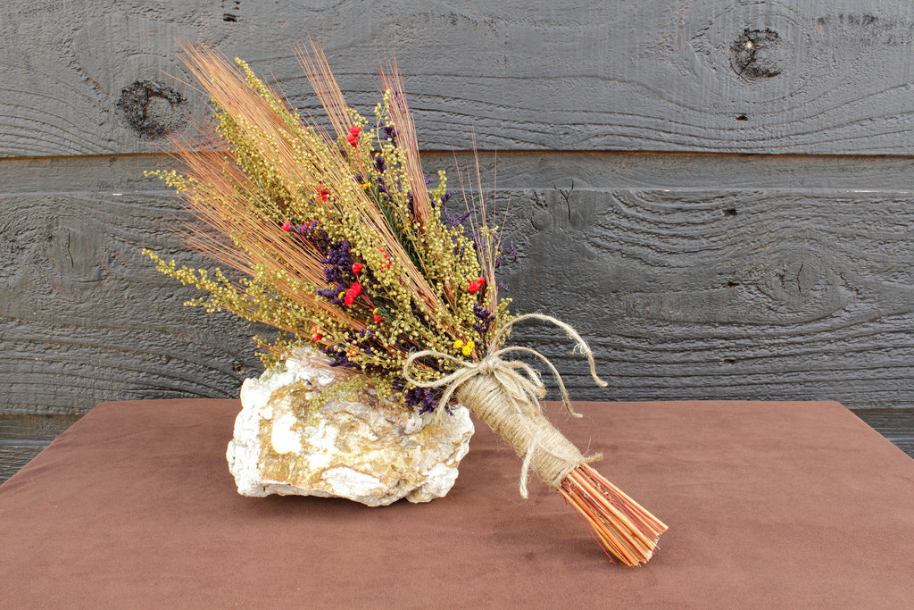handmade wedding finds for fall weddings country wedding bouquet