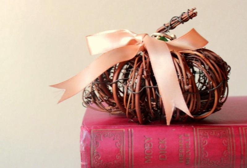Handmade-wedding-finds-for-fall-weddings-ring-pillow-alternative.full