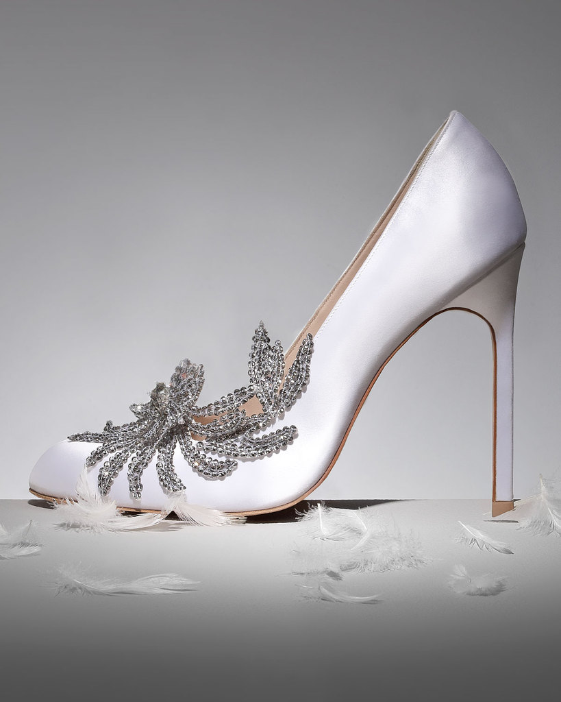photo of wedding splurge top 10 for fall 2012 Manolo Blahnik white satin pumps