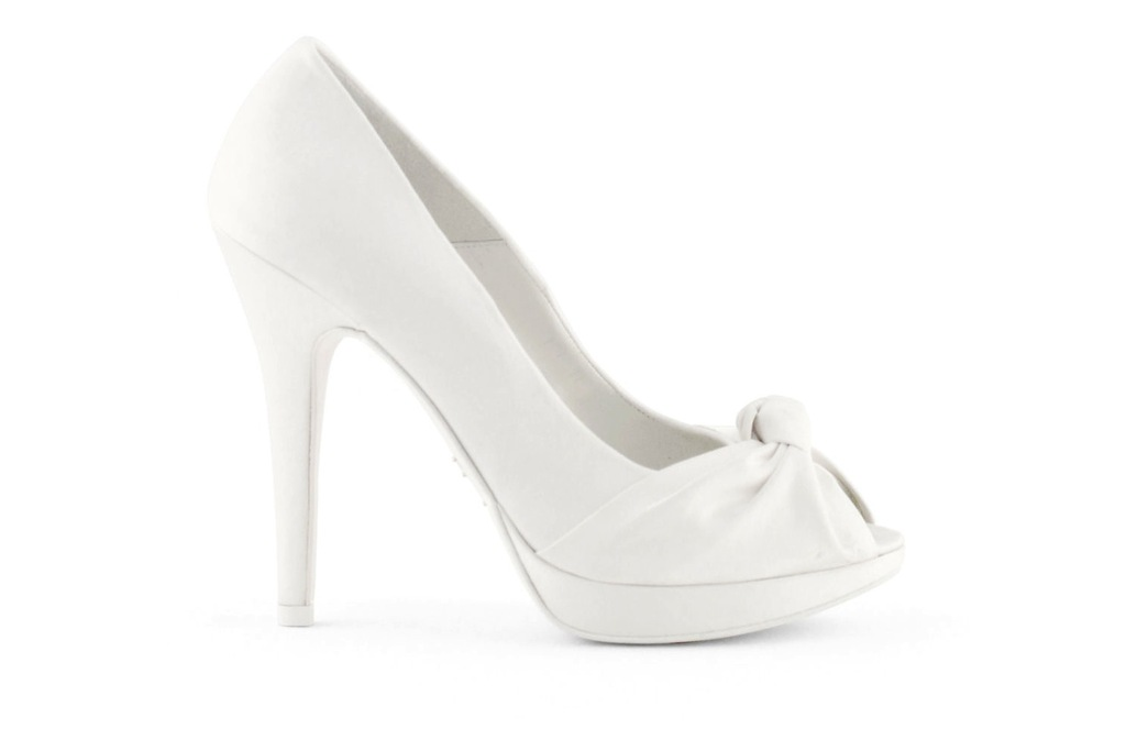 Wedding-shoes-bridal-heels-by-rosa-clara-2013-knotted.full