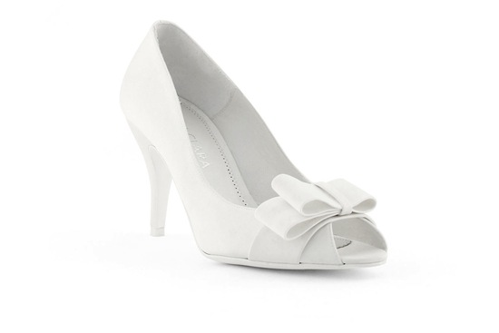 wedding shoes bridal heels by Rosa Clara 2013 low kitten heel