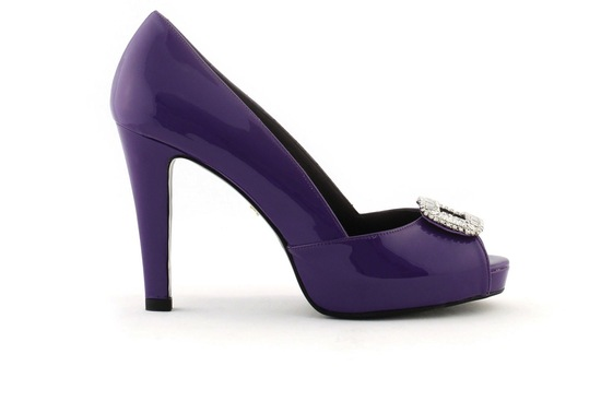 wedding shoes bridal heels by Rosa Clara 2013 colored purple patent