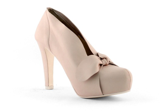 wedding shoes bridal heels by Rosa Clara 2013 15