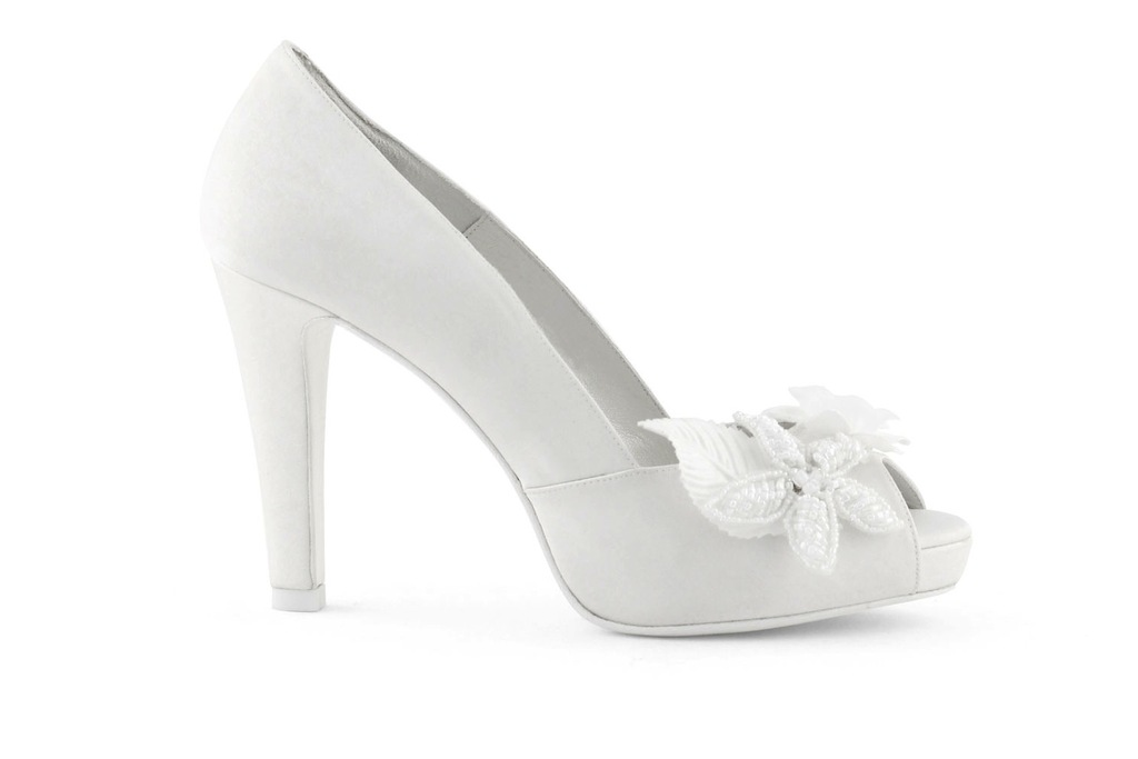 wedding shoes bridal heels by Rosa Clara 2013 floral applique