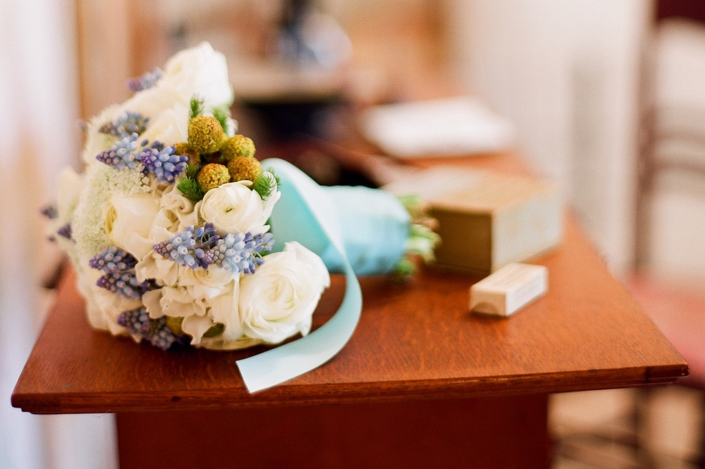 Anthropologie-inspired-wedding-for-vintage-romantic-brides-bouquet.full