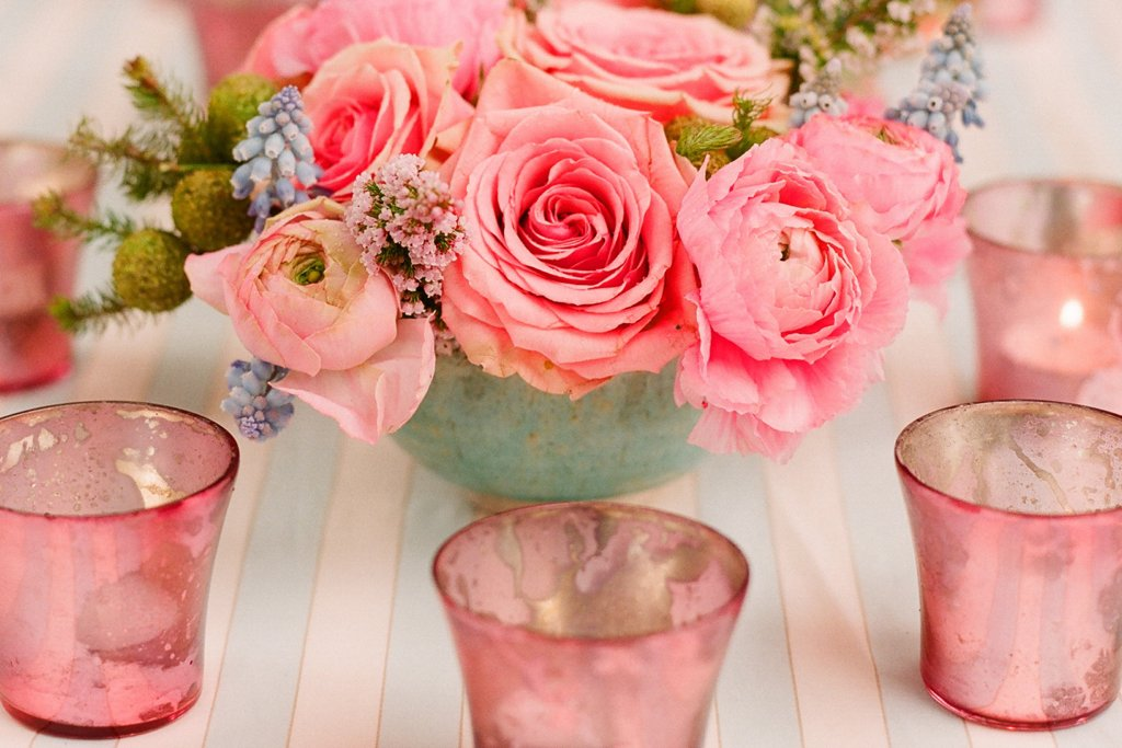 Romantic-outdoor-wedding-with-anthropologie-inspired-decor-stunning-centerpieces.full