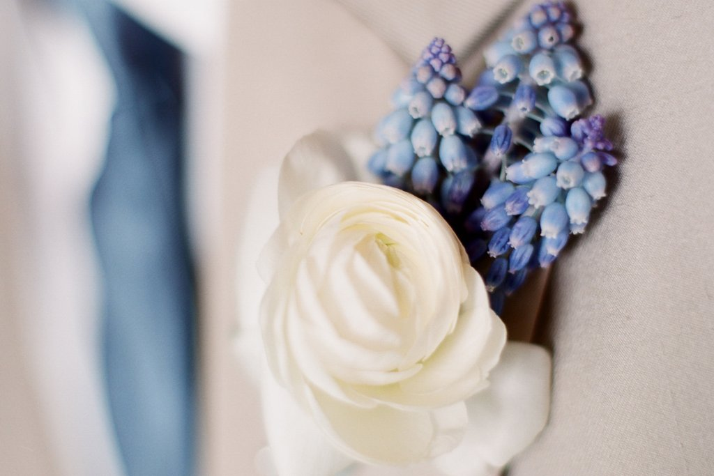 romantic outdoor wedding with Anthropologie inspired decor boutonniere