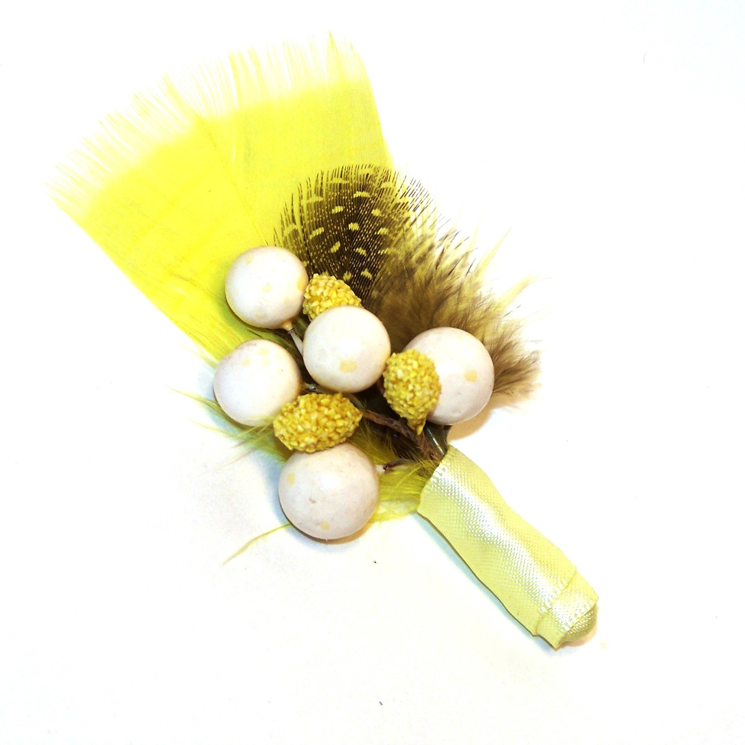Banana-bread-wedding-color-inspiration-feather-boutonniere.original