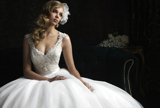 gorgeous 2013 wedding dress by Allure bridal gowns 8968 2