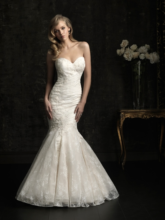 gorgeous 2013 wedding dress by Allure bridal gowns 8967