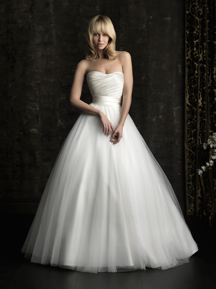 Gorgeous-2013-wedding-dress-by-allure-bridal-gowns-classic-ballgown.original