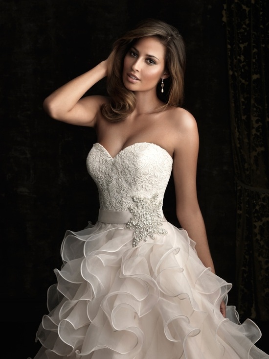 gorgeous 2013 wedding dress by Allure bridal gowns 6