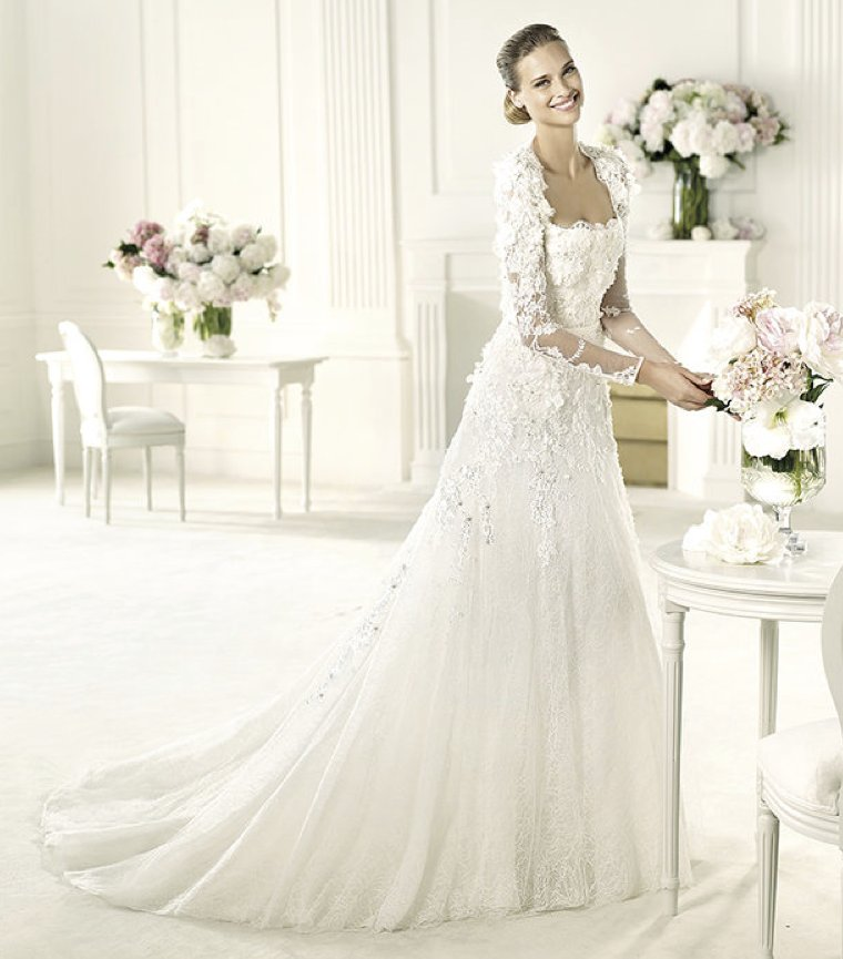 photo of 2013 wedding dress Elie Saab bridal collection for Pronovias Lyon 2
