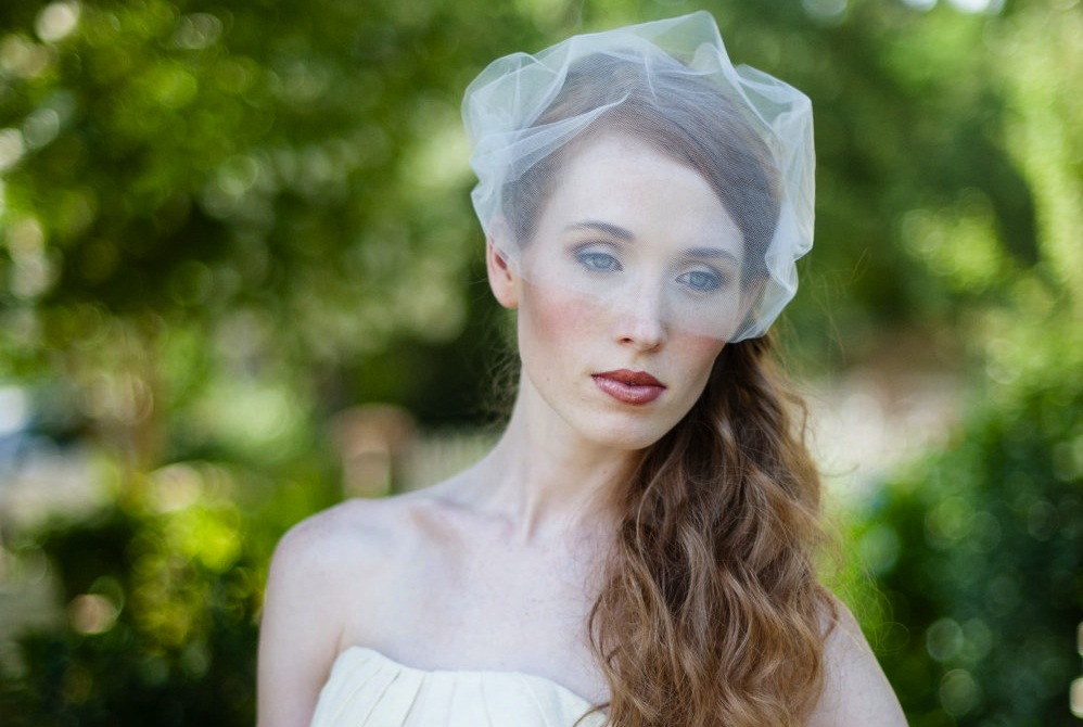 Tulle-wedding-accessories-for-romantic-brides-from-etsy-birdcage.full