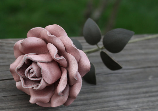 mauve wedding colors leather rose