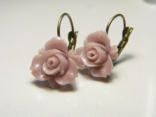 romantic wedding color inspiration soft mauve from Etsy bridal earrings