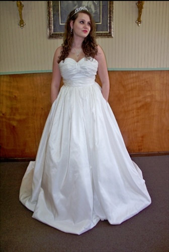 photo of Ball Gown Wedding Dress with Pockets by Leontina Couture on Etsy, $469.