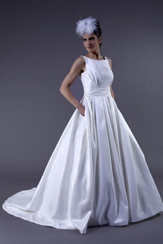 Lo Ve La by Liz Fields Bridal Gown Style # 9160