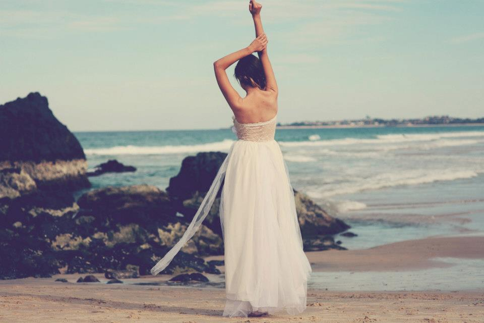 Bohemian-bride-at-a-beach-wedding-bridal-gown-beauty-inspiration-10.full