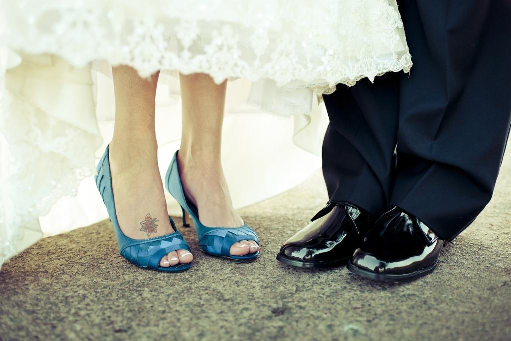 Charming-country-club-wedding-bride-groom-shoes.full