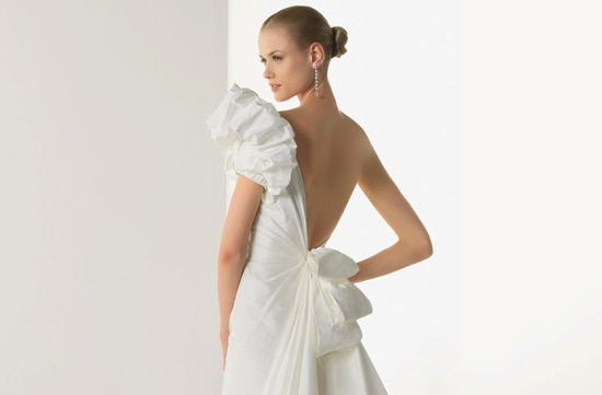 2013 wedding dresses beautiful statement backs by Rosa Clara 3