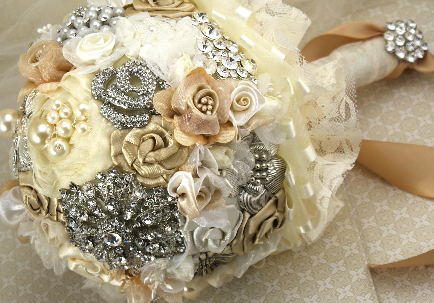 Pearl-wedding-accessories-handmade-etsy-wedding-finds-brooch-bouquet.original