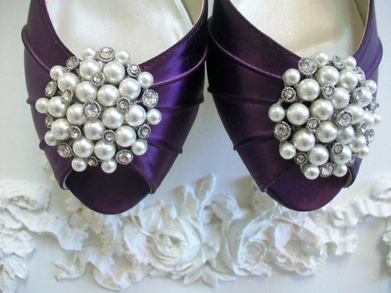 pearl wedding accessories handmade Etsy wedding finds shoe clips
