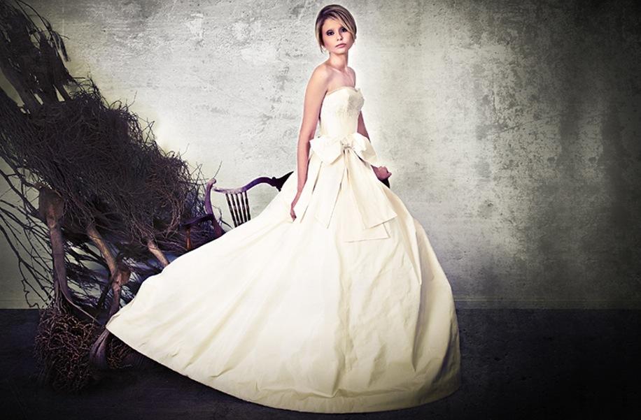 2013-wedding-dresses-by-sarah-janks-elegant-bridal-gowns-3.full